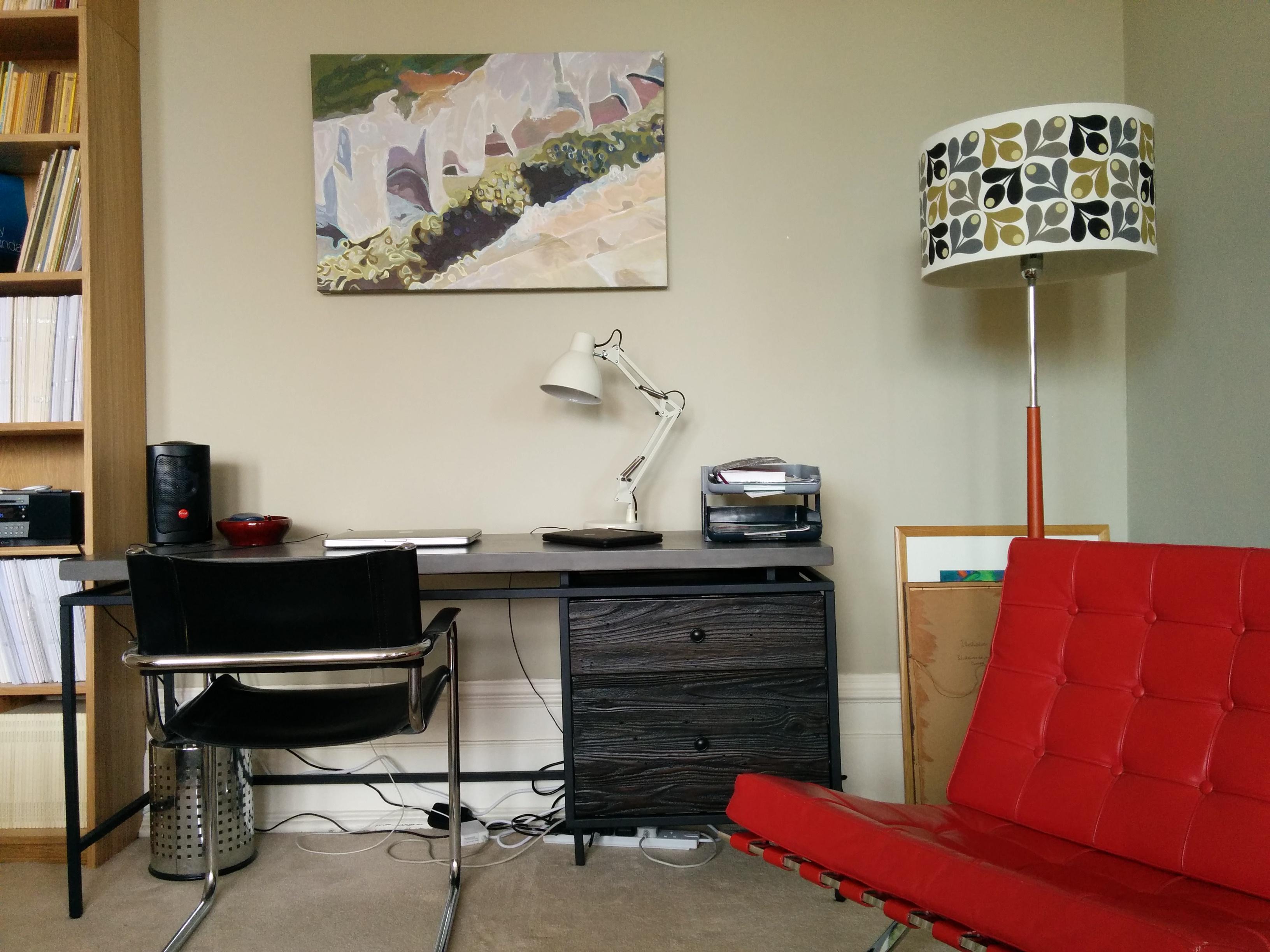 new desk in situ