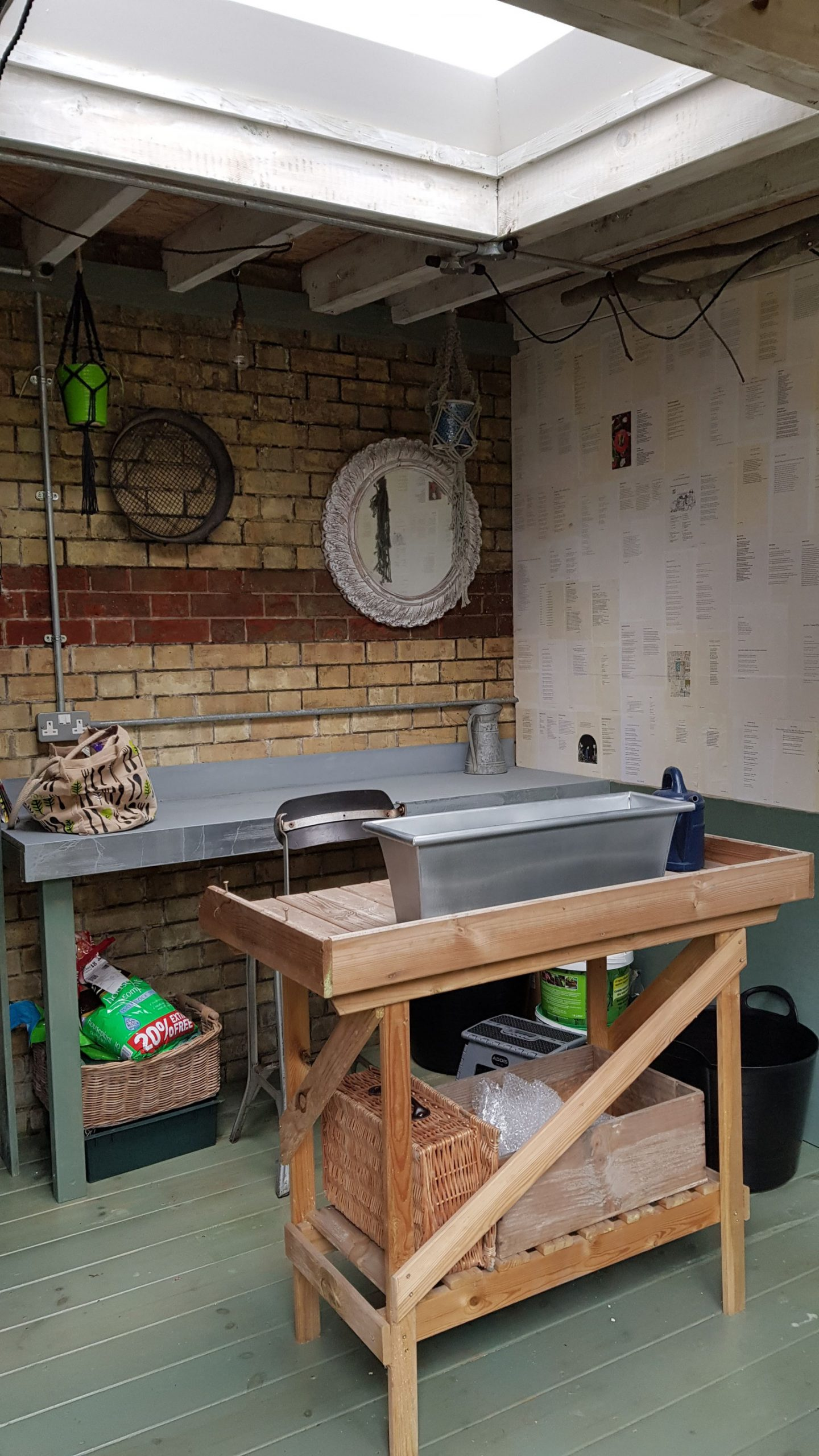 pottingshed int with zincworktop